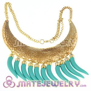Vintage Style Retro Crescent Choker Bib Collar Necklace With Plastic Chile