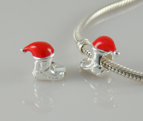 pandora christmas shoe charm with red santa hat